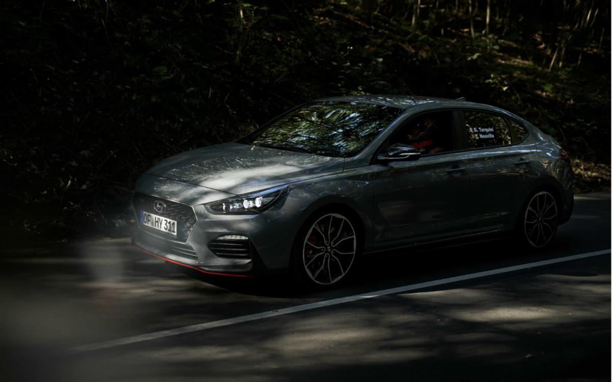 Nuova Hyundai i30 Fastback N |  anteprima con viaggio record