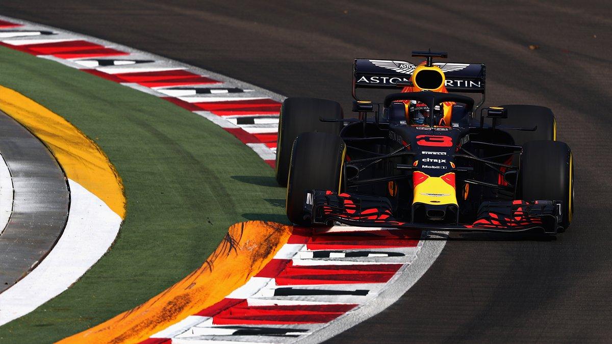 Ricciardo fuori dalle riunioni Red Bull