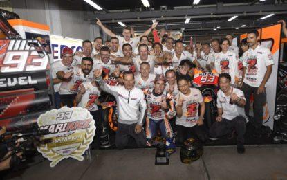 La grande festa Honda per il Titolo di Marc Marquez