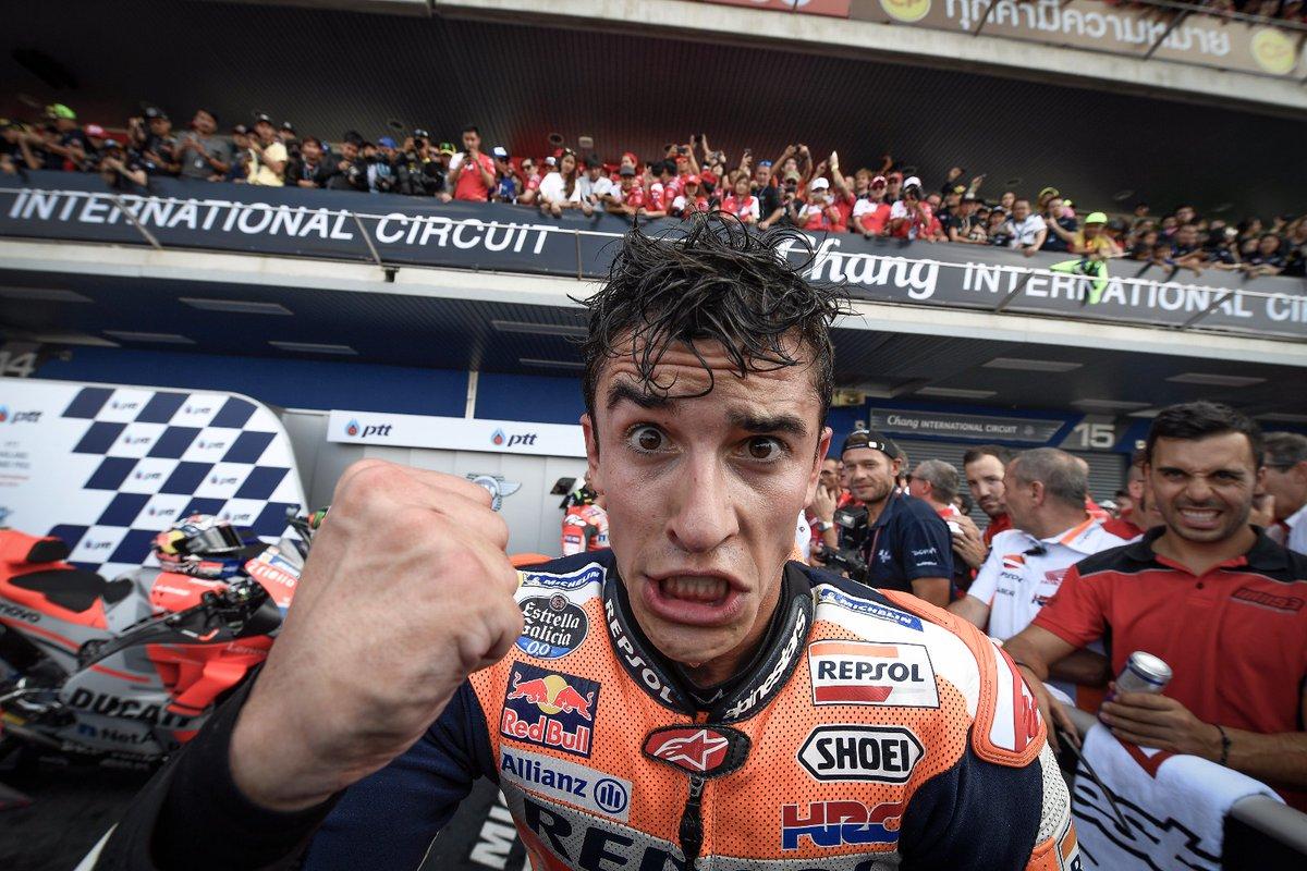 Thailandia: Marquez beffa Dovizioso all'ultimo giro. Rossi 4°