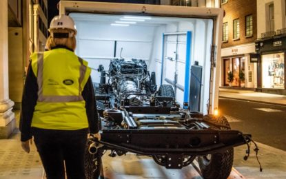 Una Land Rover Defender unica all'interno di Selfridges