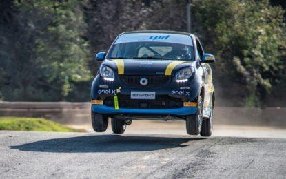 """smart EQ fortwo e-cup si """"elettrizza"""" nel Rallycross"""