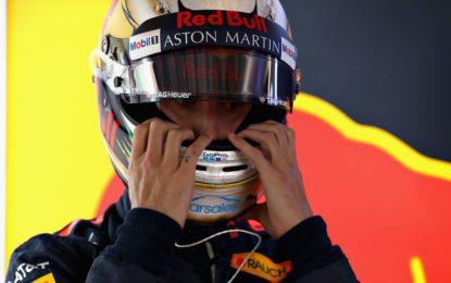 A Ricciardo non resta che prendere a pugni il muro
