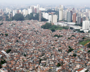 Il Brasile di un'eterna illusa, tra cronaca e Ayrton