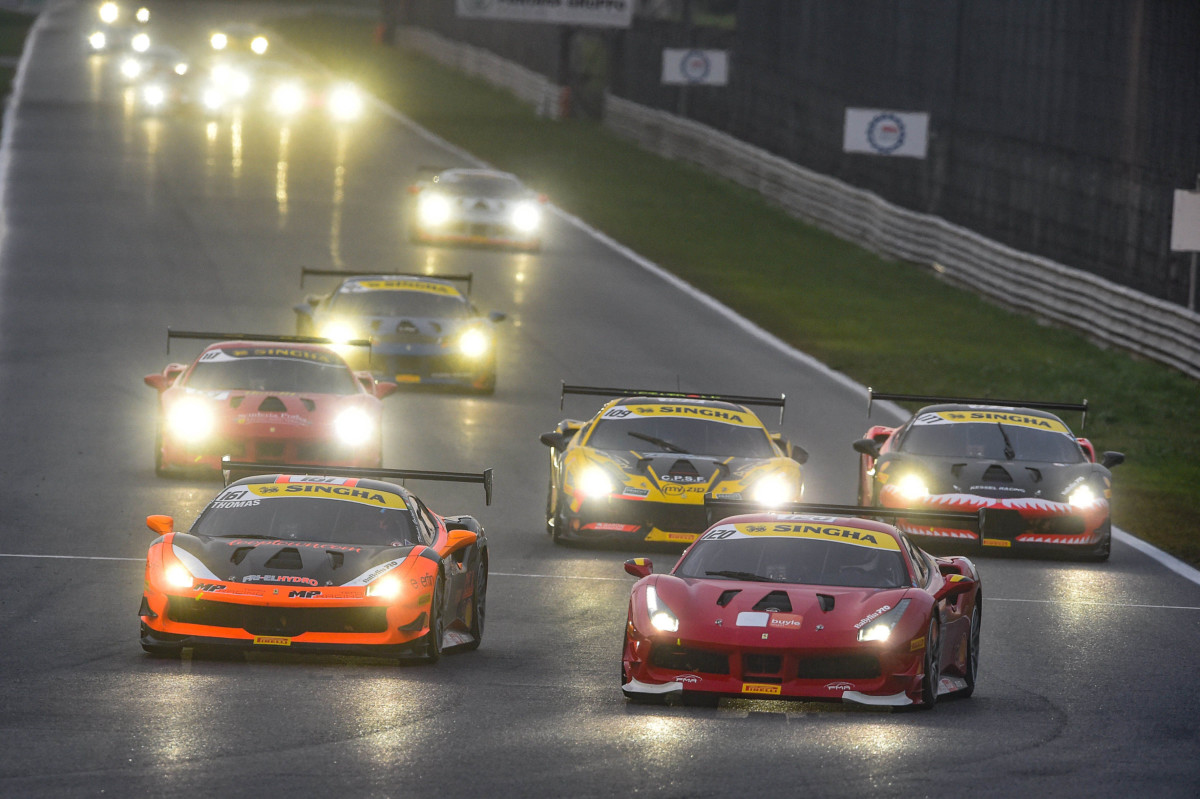 Ferrari Challenge Europe: Cuhadaroglu campione