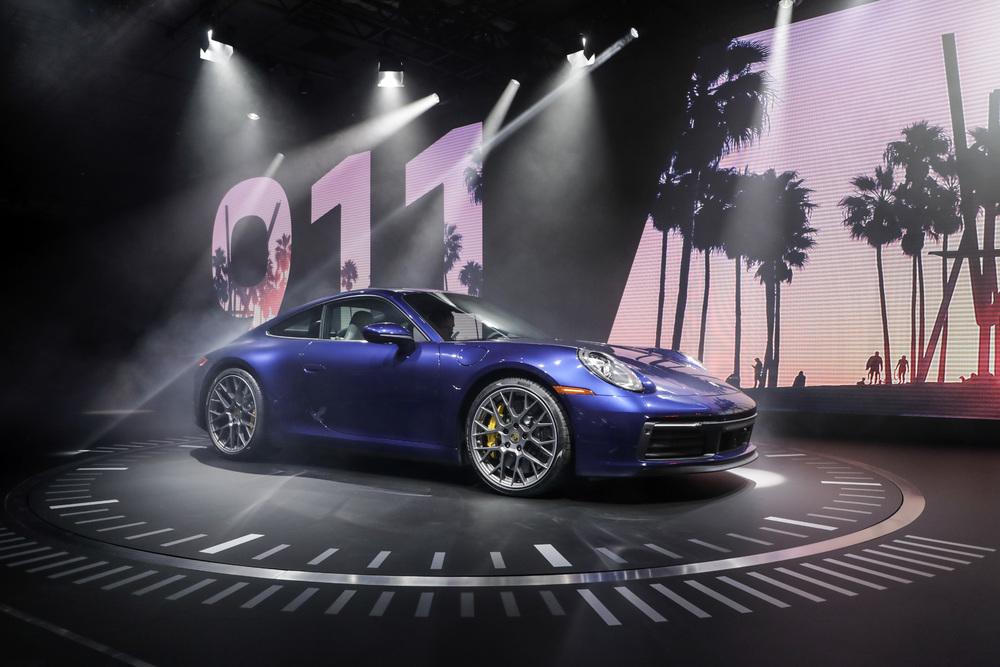 La nuova Porsche 911 debutta a Los Angeles