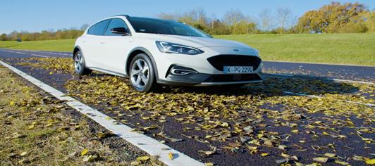 Ford: prove di aderenza su foglie e neve
