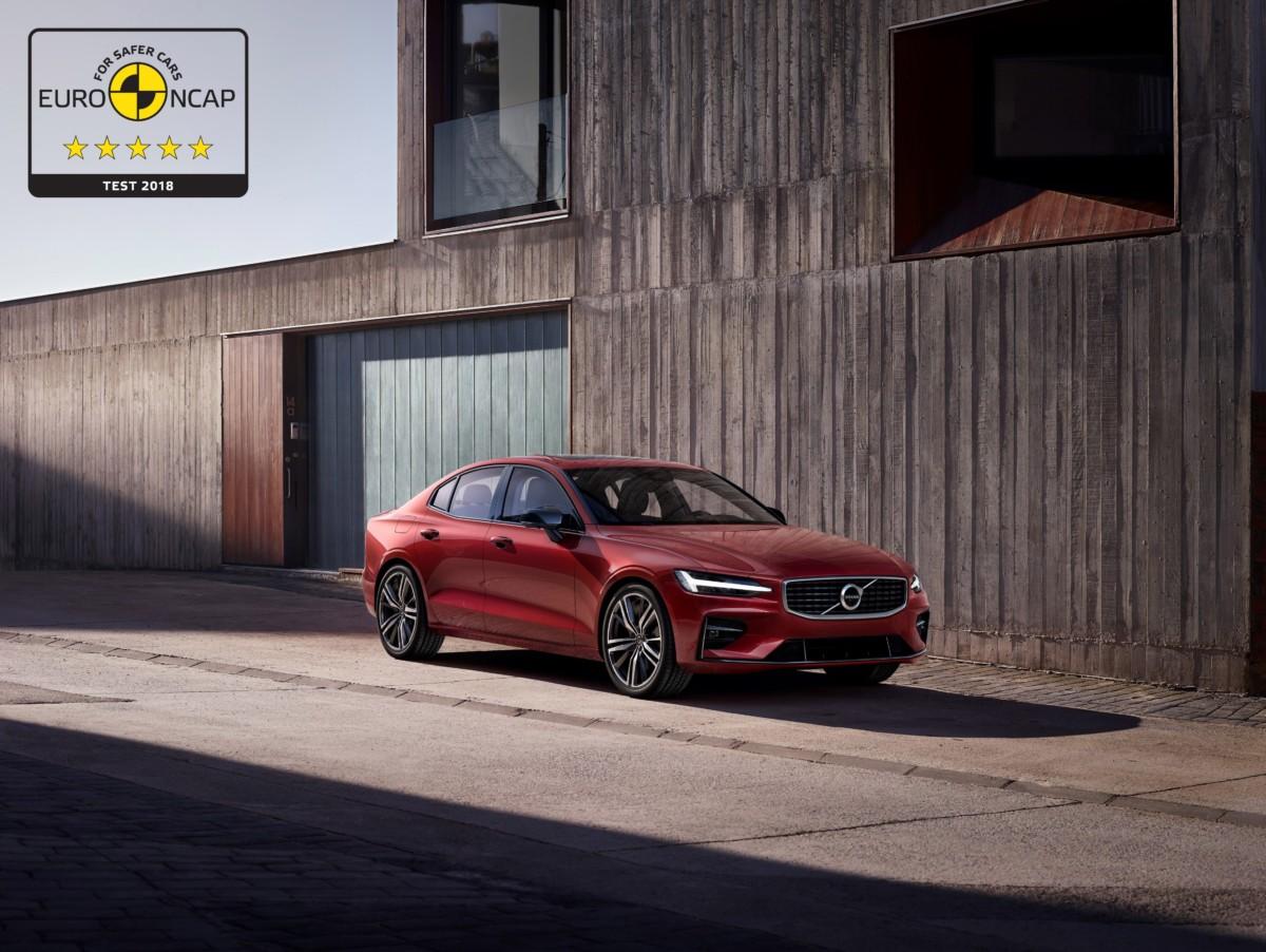 Volvo S60 e V60: 5 stelle nei test Euro NCAP