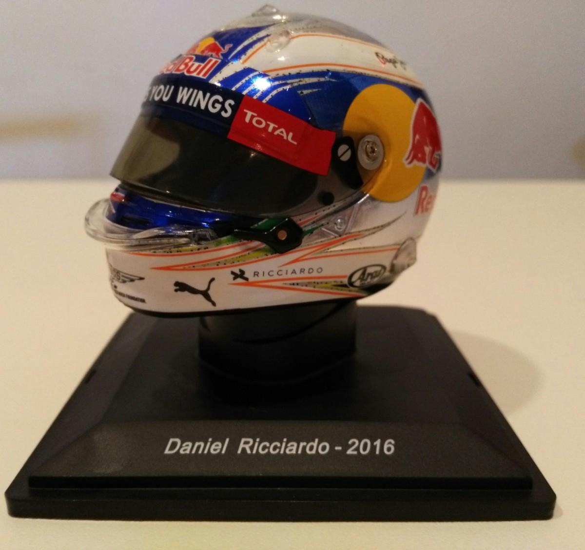 Come sarà il casco di Ricciardo nel 2019?