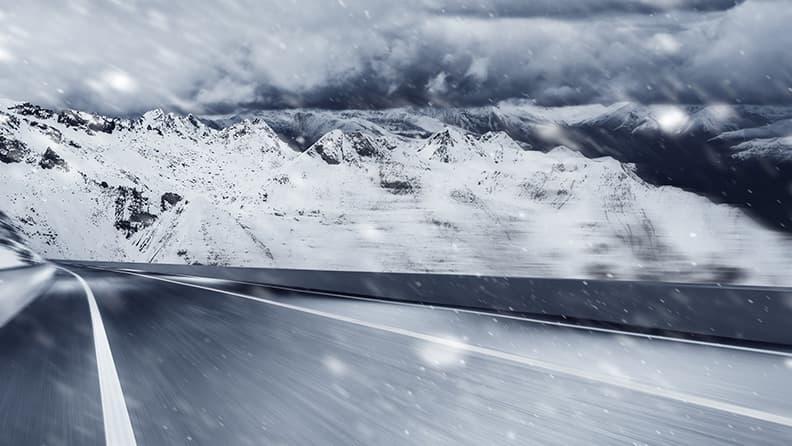 Pirelli e le cinque regole per la guida sulla neve
