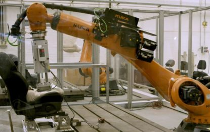 I sedili Ford testati dall'androide Robutt