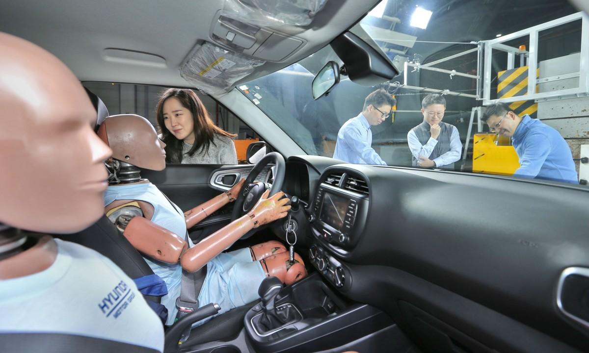 Da Hyundai il primo airbag per collisioni multiple