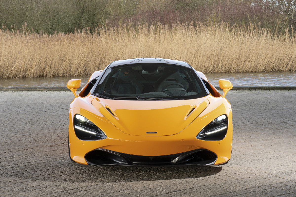 720S Spa 68 Collection: omaggio a Bruce McLaren