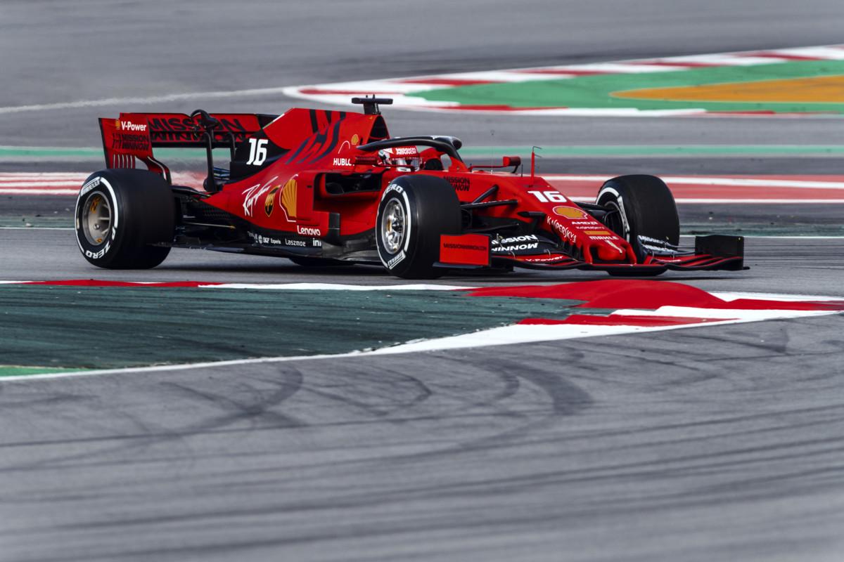 Leclerc: 157 giri e miglior tempo al debutto con la Ferrari
