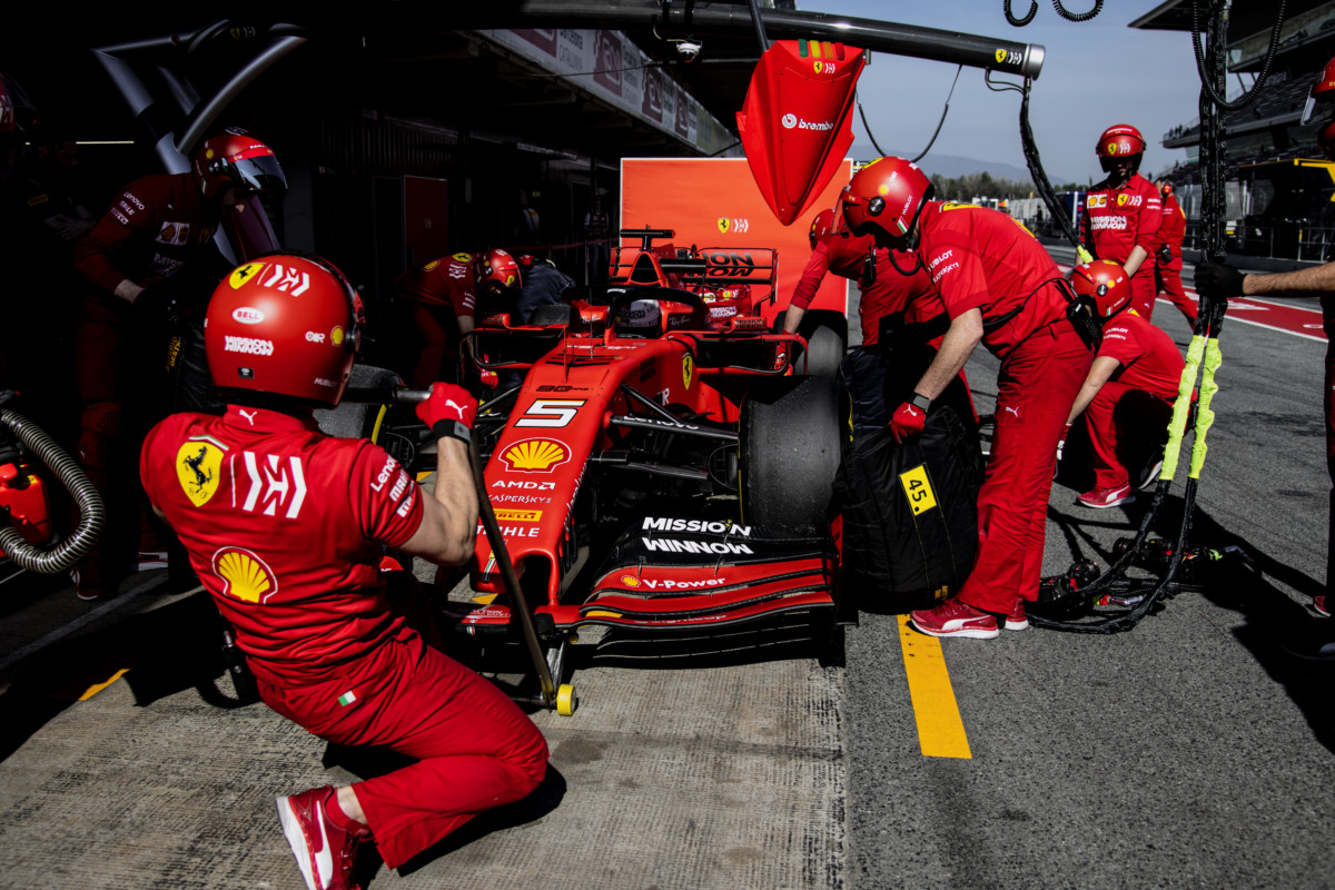 Per la SF90 110 giri con Vettel e Leclerc