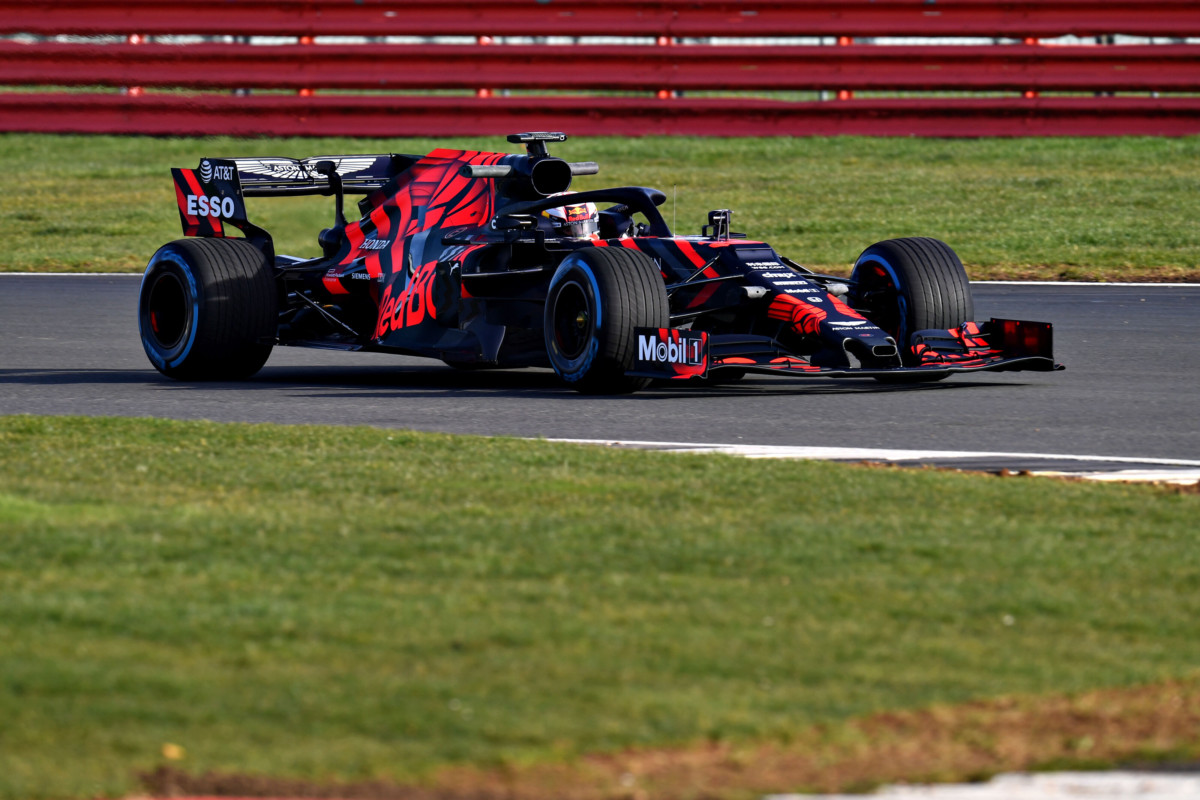 La Red Bull stupisce con la RB15 in livrea one-off