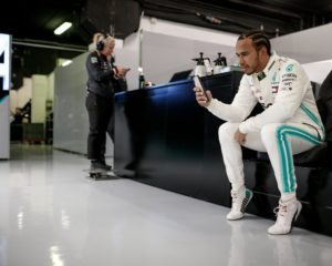 Hamilton felice e contento dei 5 kg in più