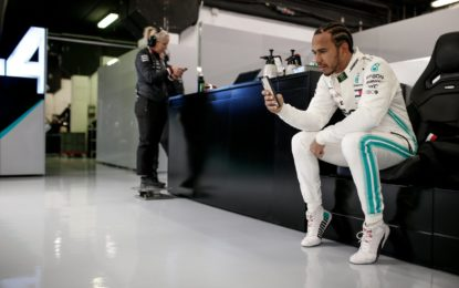 Hamilton difende i fans e attacca le pay-TV