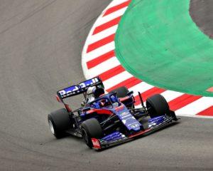 Toro Rosso e Kvyat davanti a tutti nel terzo giorno di test