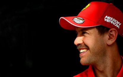 Vettel e i colleghi che non rispondono agli auguri di Natale…
