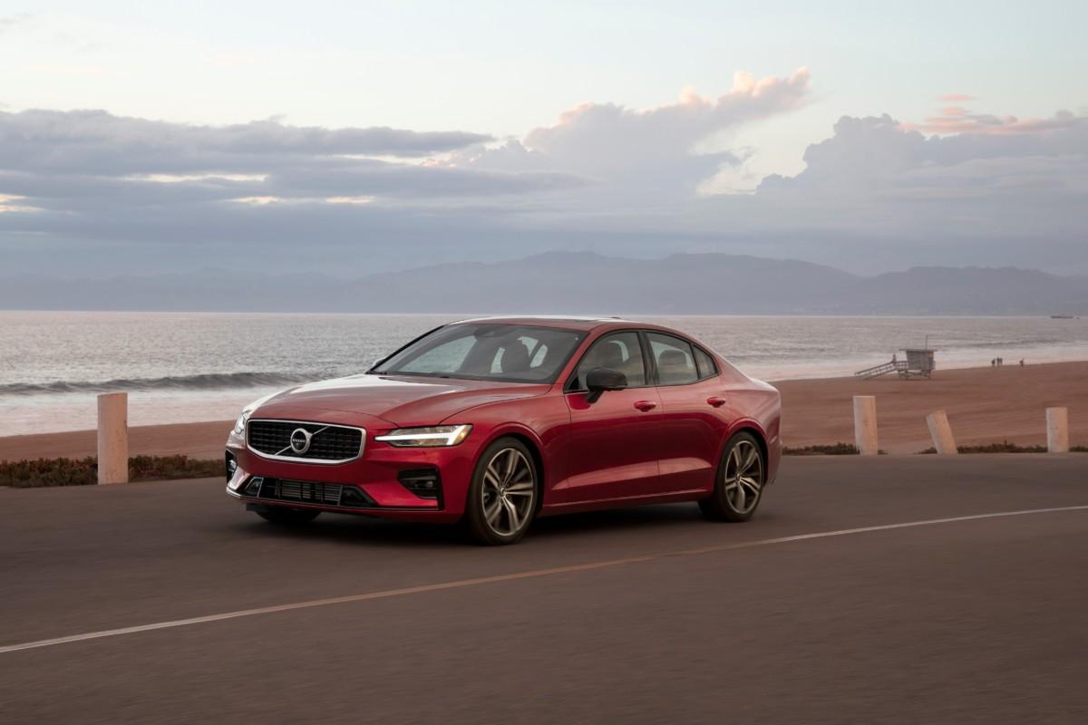 Da Volvo un messaggio forte: limitare la velocità per la sicurezza