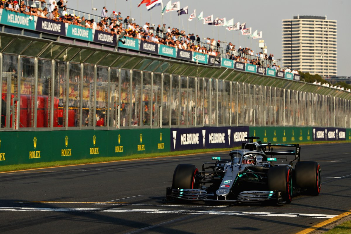 Bottas scatenato, poi Hamilton e Verstappen. Ferrari 4° e 5°