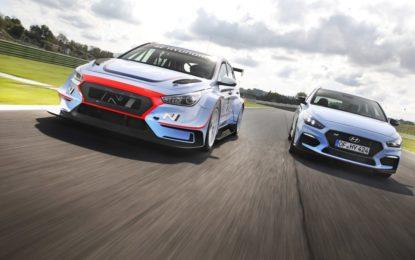 Hot lap sulla i30 N TCR con Tarquini al Drive Experience Track Day