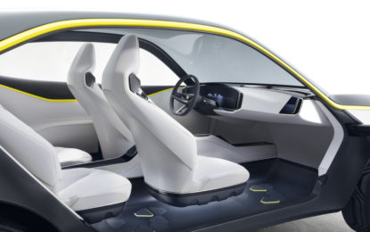 L'abitacolo della Opel GT X Experimental