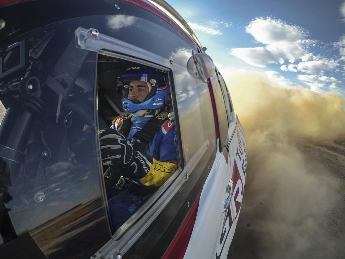 Alonso: prove generali per la Dakar? E intanto torna in F1 nei test