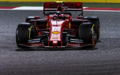 Un corto circuito sulla SF90 di Leclerc in Bahrain