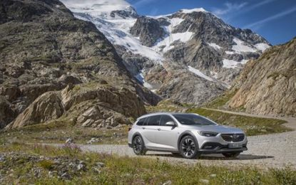 "Opel Insignia ""All-Wheel Drive Car Of The Year 2019"""