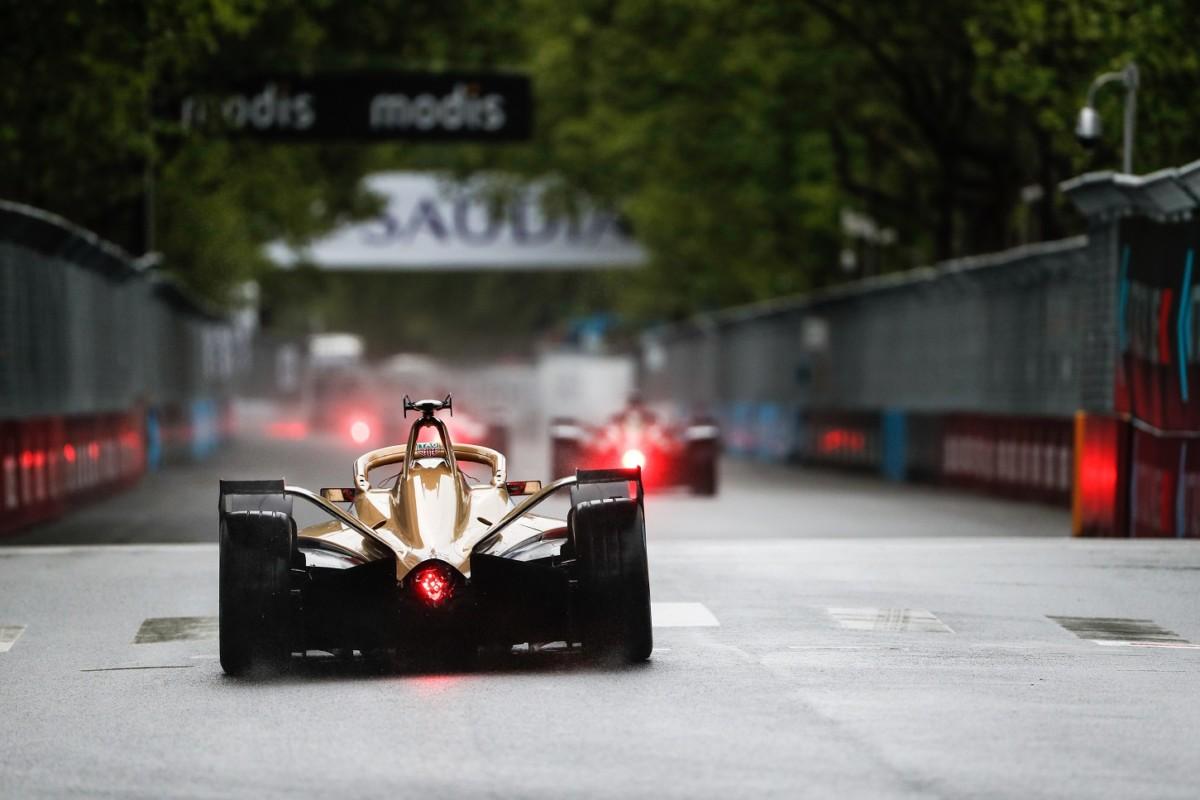 """Lotterer: """"Hamilton e Vettel provino la Formula E prima di giudicare"""""""