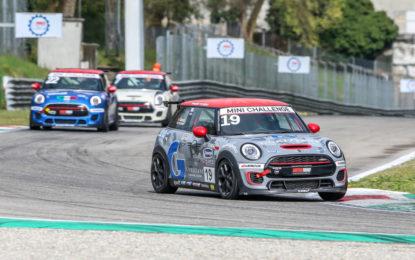 MINI Challenge 2019: l'ottava stagione parte da Monza