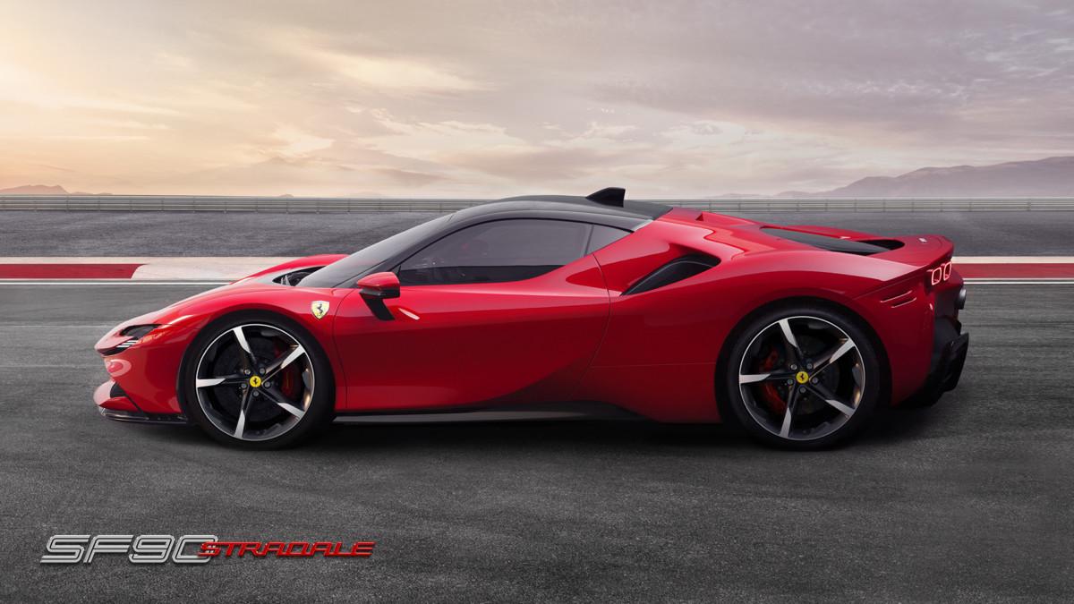 SF90 Stradale: la prima Ferrari ibrida di serie