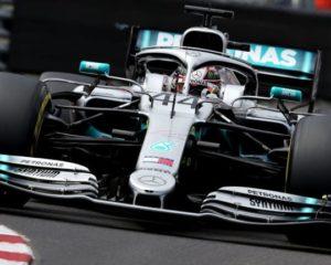 La Mercedes vola a Monaco. Vettel terzo ma a 7 decimi