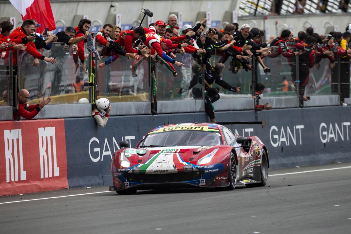La Ferrari trionfa a Le Mans e celebra i 70 anni dal primo s