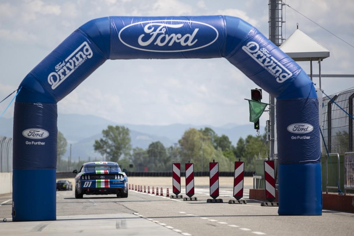 Ford Performance Driving University: guida sportiva per i clienti fleet