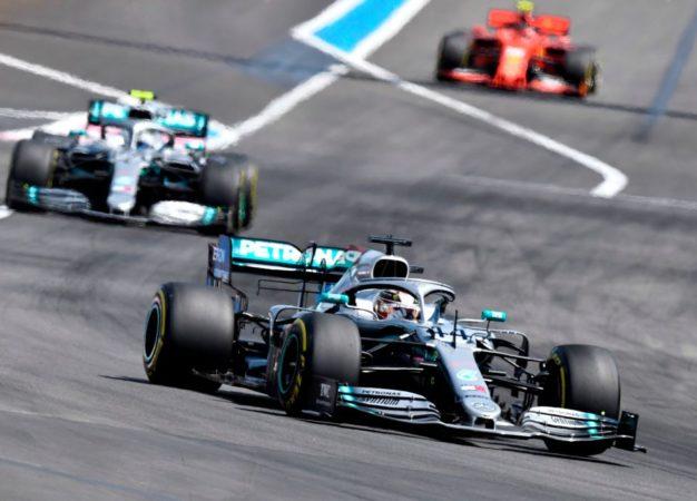 Hamilton domina anche in Francia, poi Bottas e Leclerc. A 18″