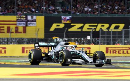 Hamilton: vittoria e record sul giro con le hard per 32 giri