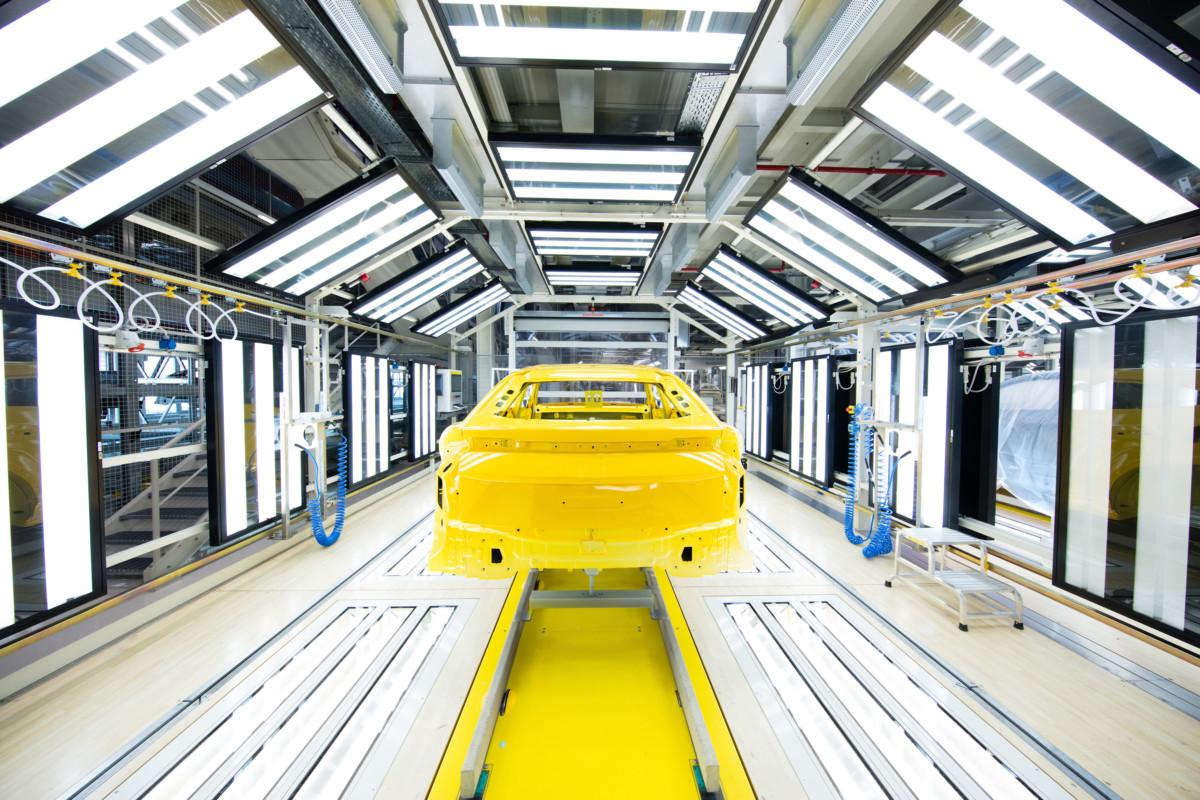 Lamborghini: nuovo reparto verniciatura per l'Urus