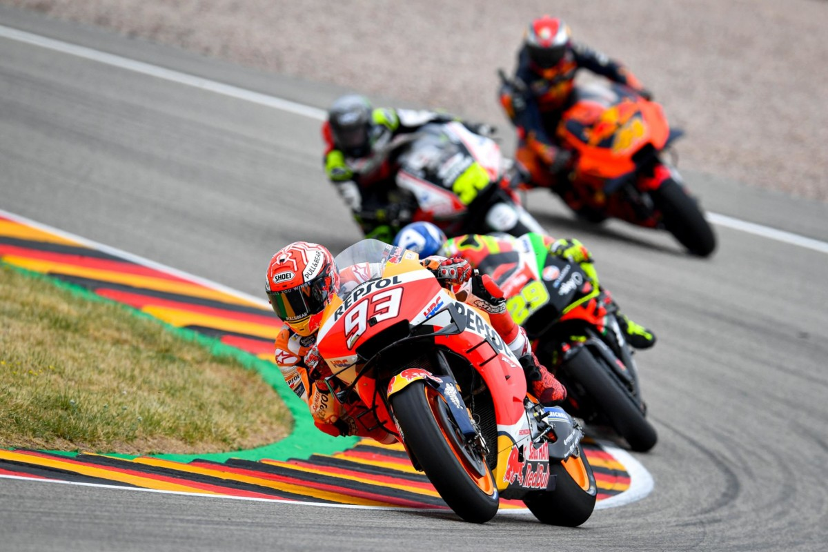 Decima pole record di Marquez in Germania