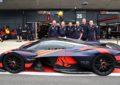 Aston Martin Valkyrie: debutto in pista a Silverstone