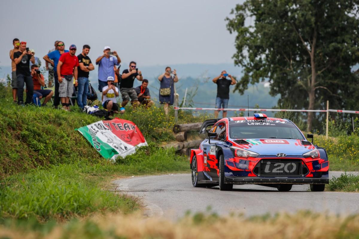 Rally di Alba: Hyundai vince con la i20 Coupe WRC di Loeb