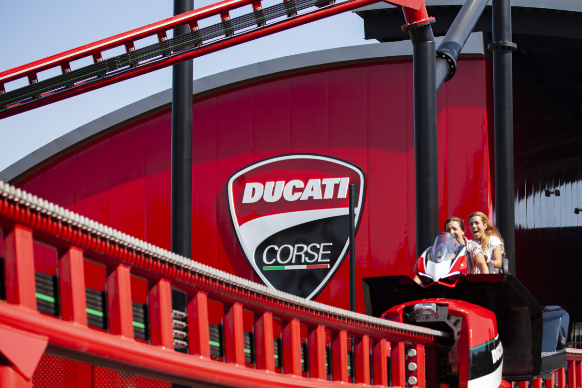 "Ducati World: apre il duelling coaster ""Desmo Race"""