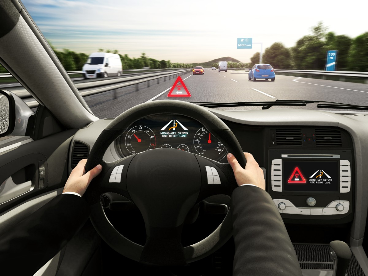 Wrong-way driver warning di Bosch attivo anche in Italia