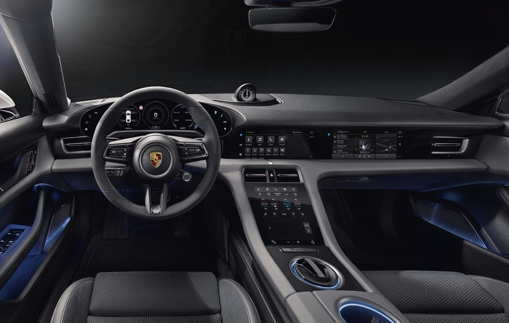 Porsche Taycan: viaggio negli interni