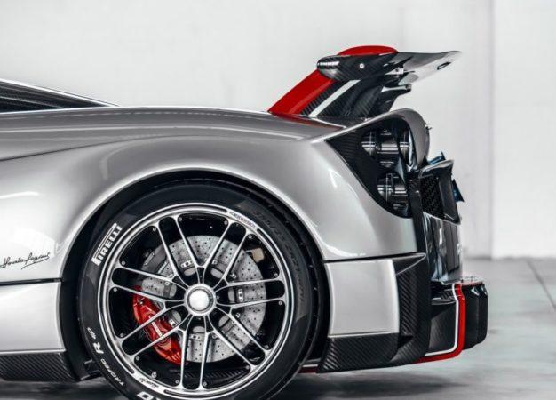 Pirelli P Zero Trofeo R per la Pagani Huayra Roadster BC