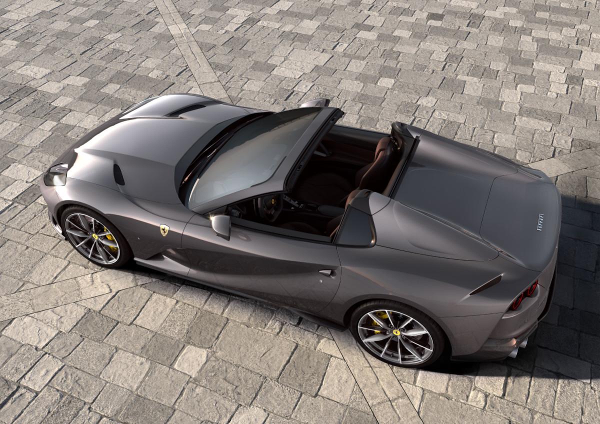 Ferrari 812 GTS: torna la spider con motore V12