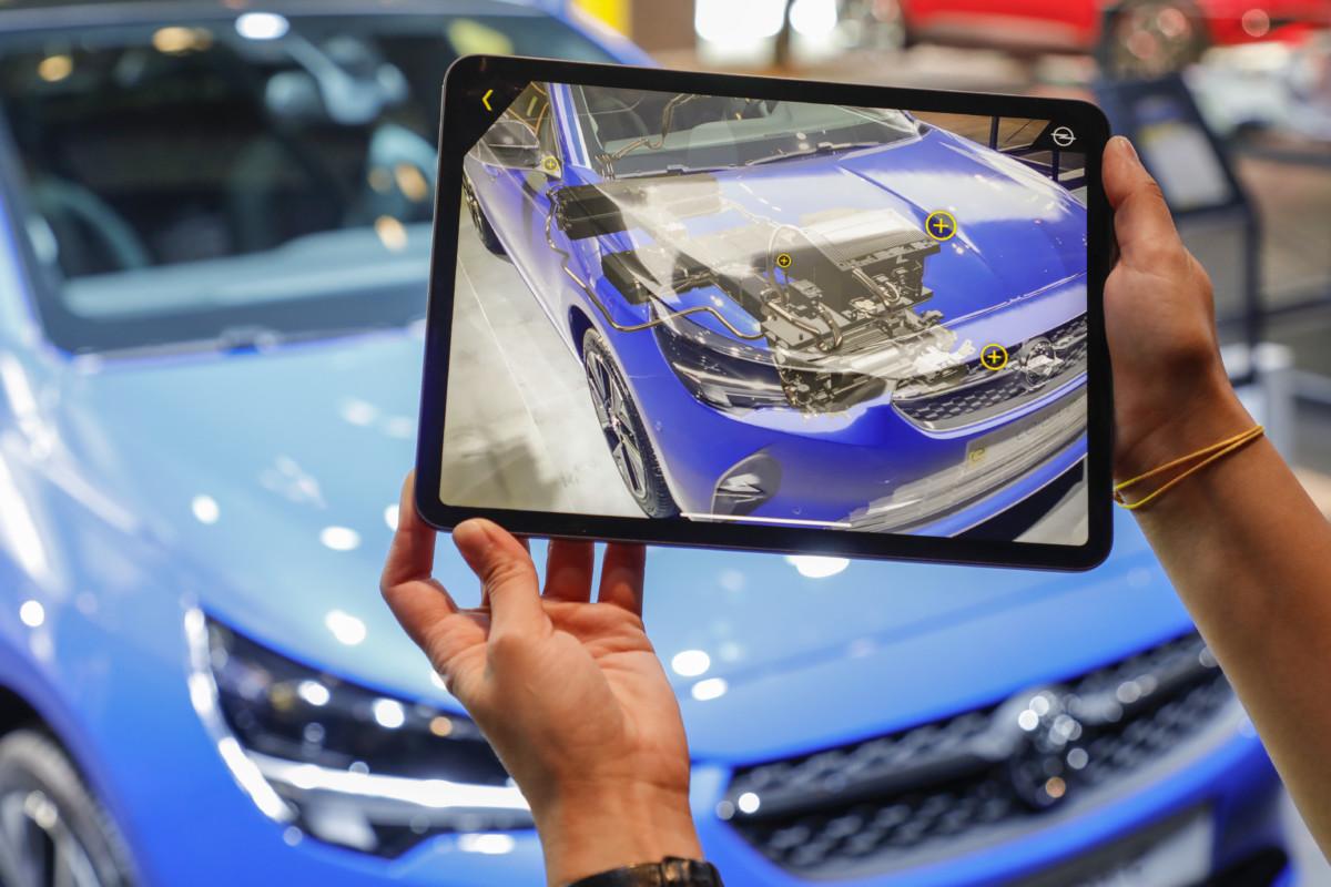 Alla scoperta della novità elettriche Opel con la Realtà Aumentata
