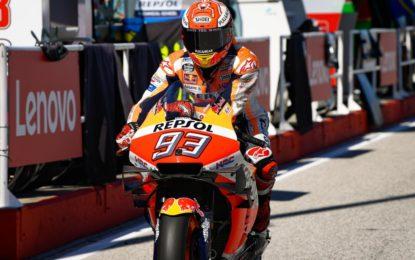 Marquez conquista Misano. Valentino Rossi ai piedi del podio